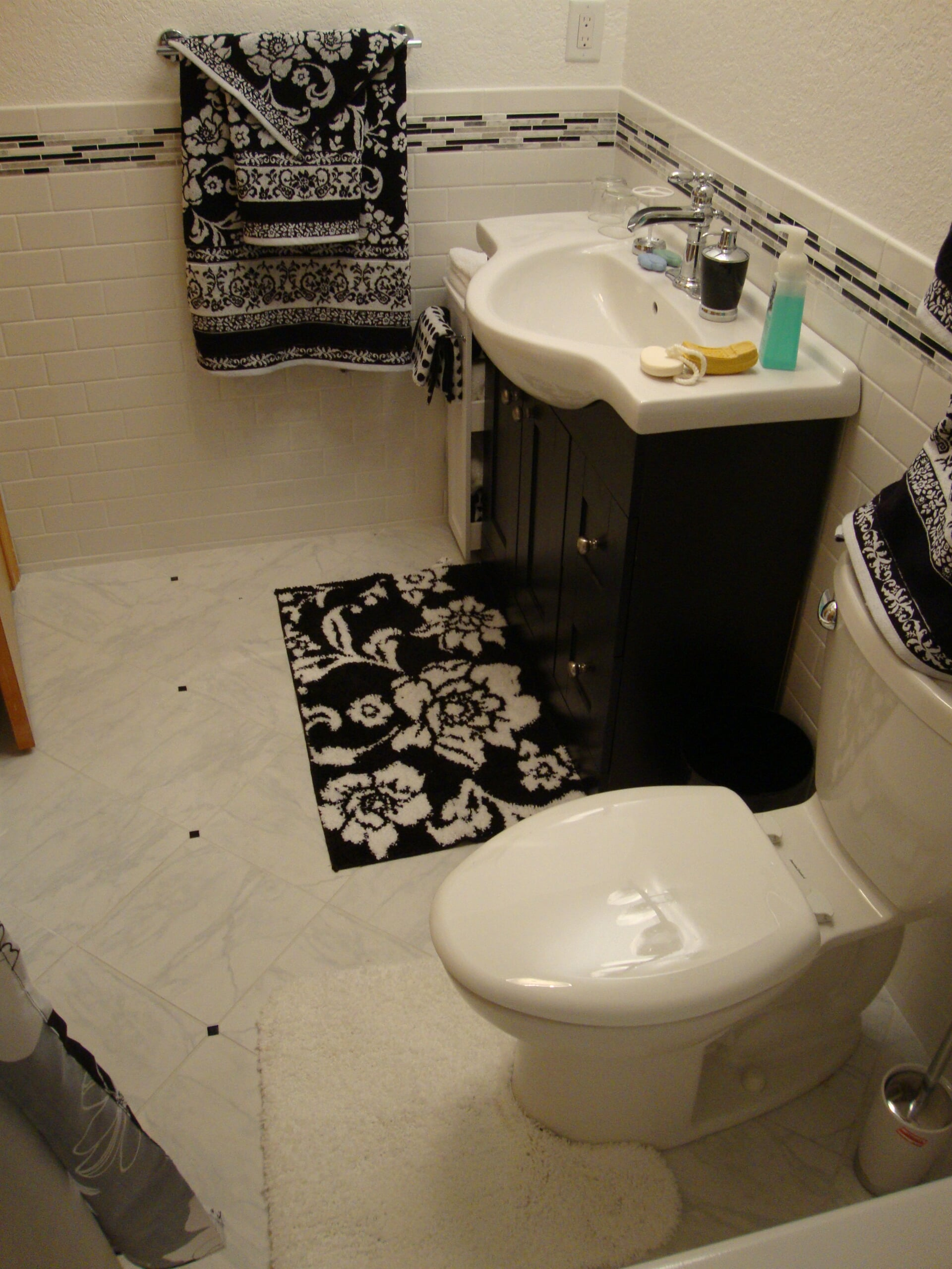 Marble tile flooring in Chesapeake, VA from Floors Unlimited