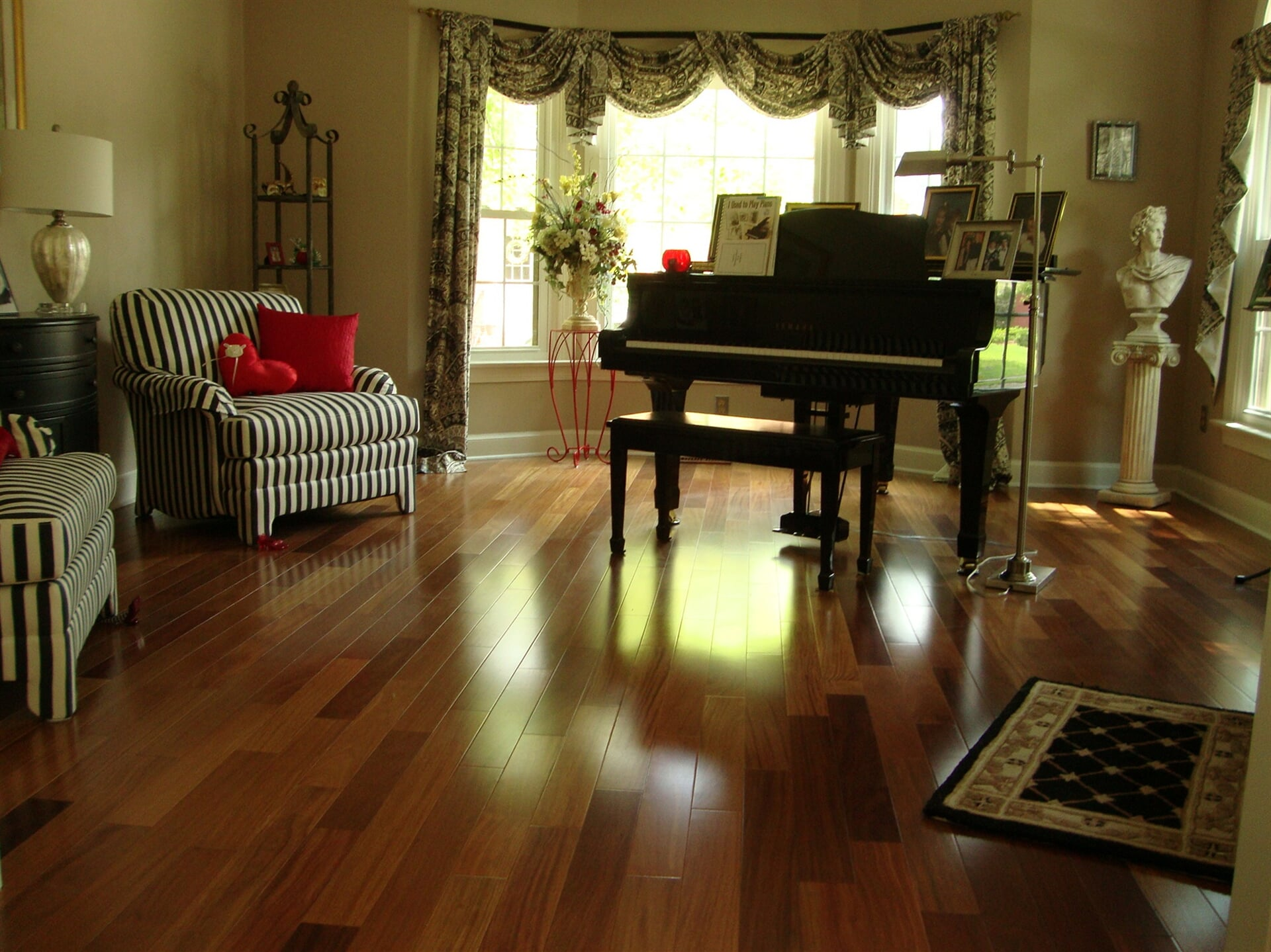 Multi-tone hardwood floors in Moyock, VA from Floors Unlimited