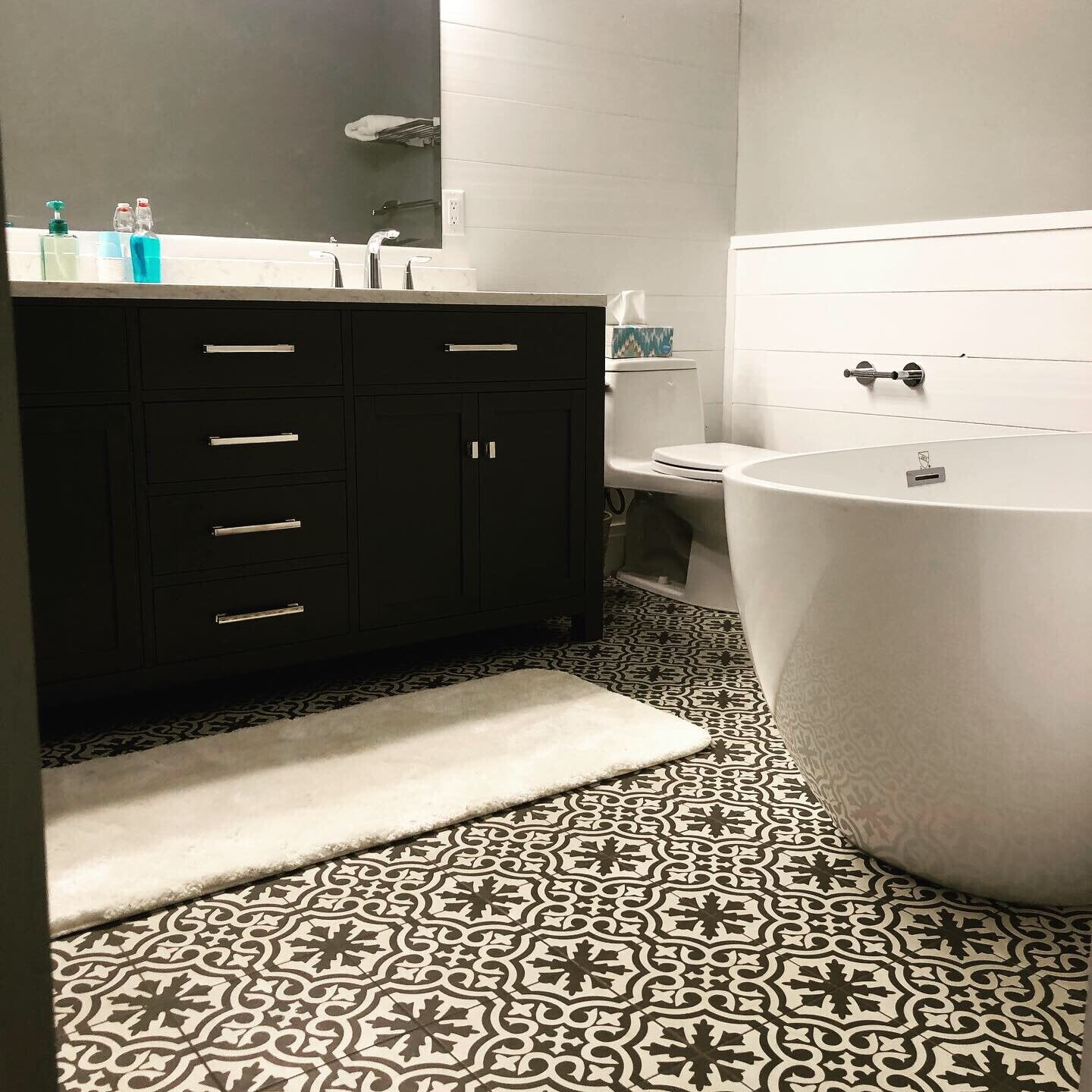 Bathroom remodel in Lancaster, PA from Freedom Flooring