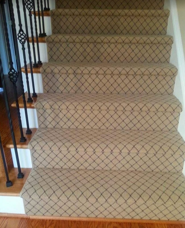 Carpet stair runner in Kennesaw, GA from Gotcha Covered Floor Covering