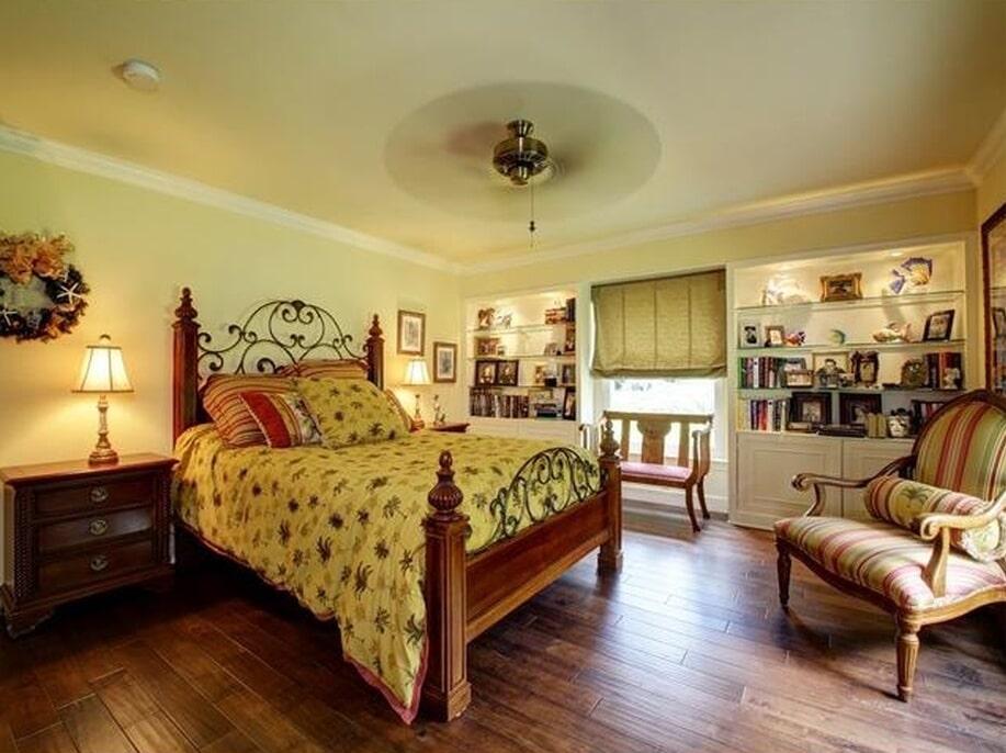 Master bedroom flooring in Palm Harbor, FL from Floor Depot