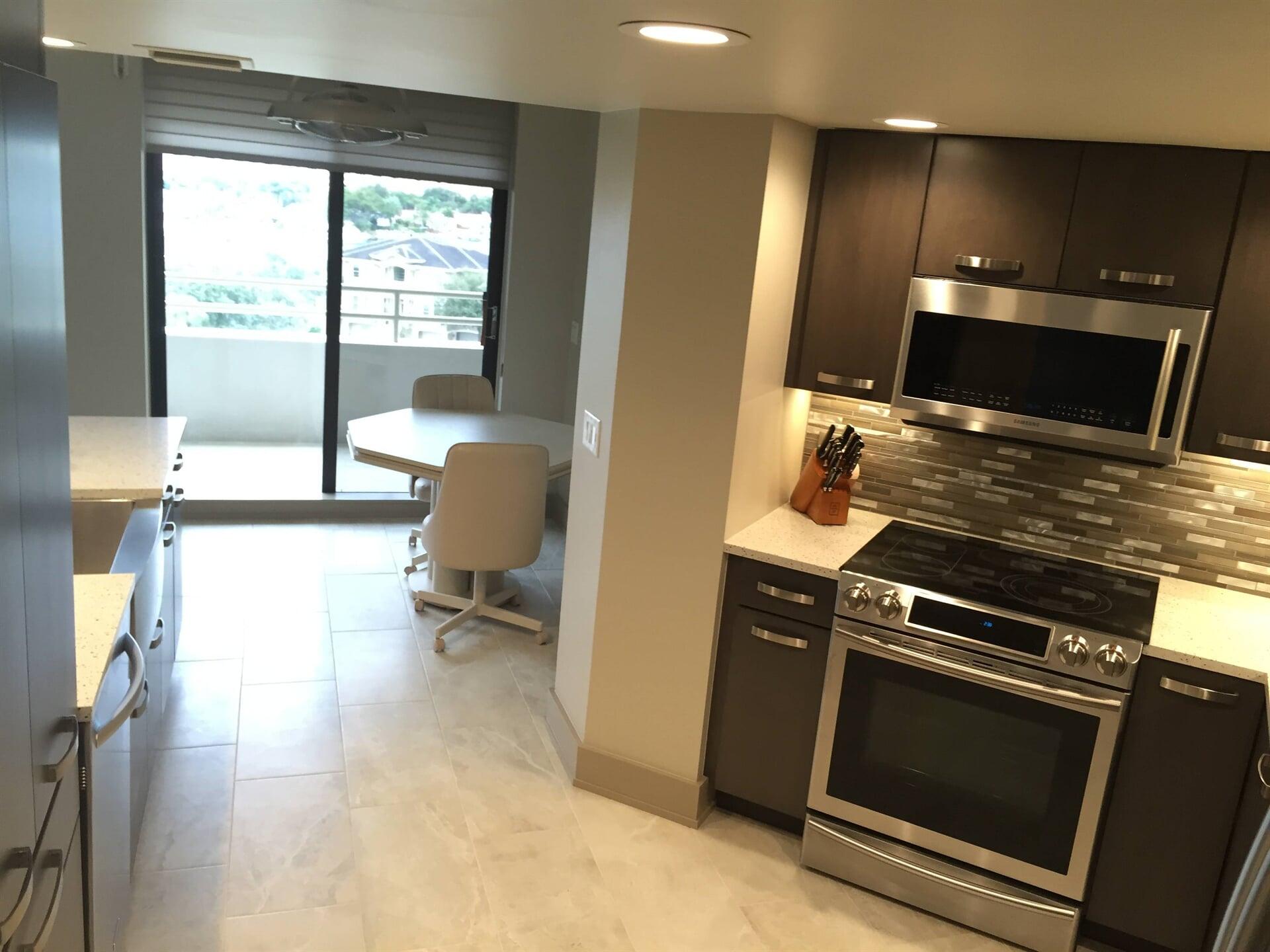 Marble look tile flooring in Tarpon Springs, FL from Floor Depot