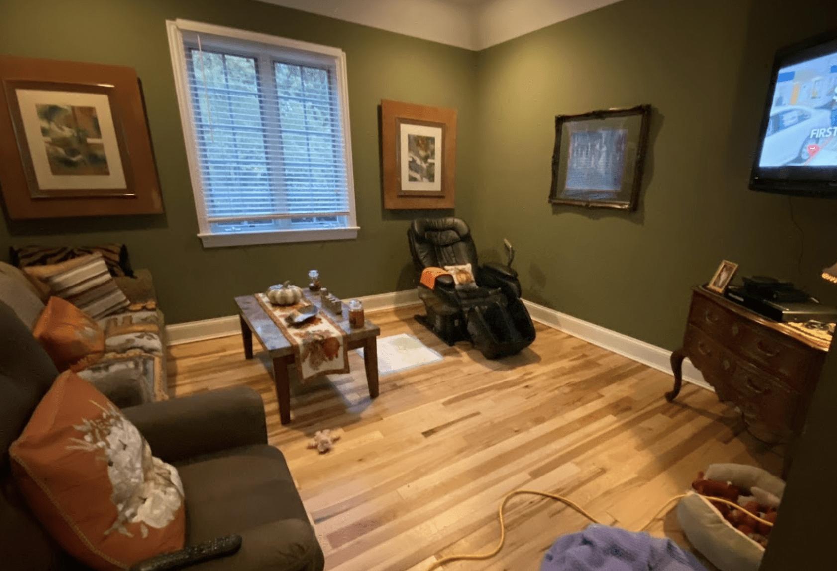 Hardwood flooring installation in Schaumburg, IL from Alpha Carpet & Flooring