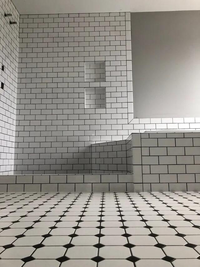Shower tile in Emigsville, PA from Chuck Kraft Carpets