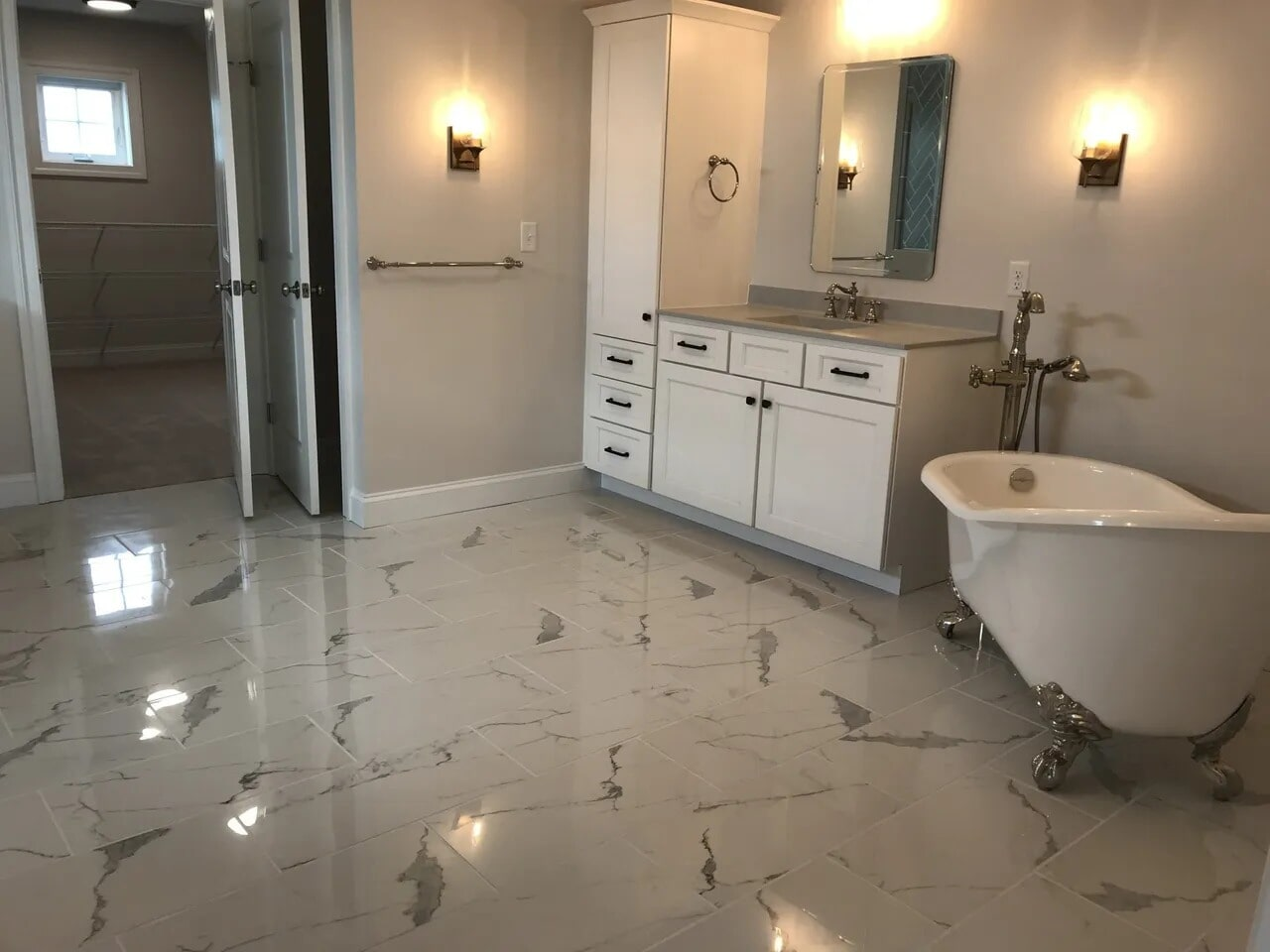 Tile flooring in Manchester, PA from Chuck Kraft Carpets