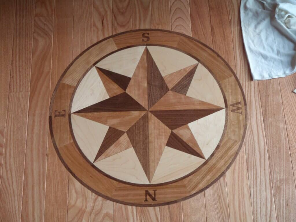 Hardwood medallions in Robbinsville Township, NJ from Capitol Floor Covering