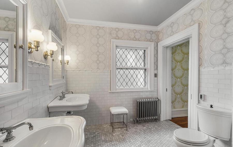 Subway tile walls in Blue Bell, PA from Interior Trend