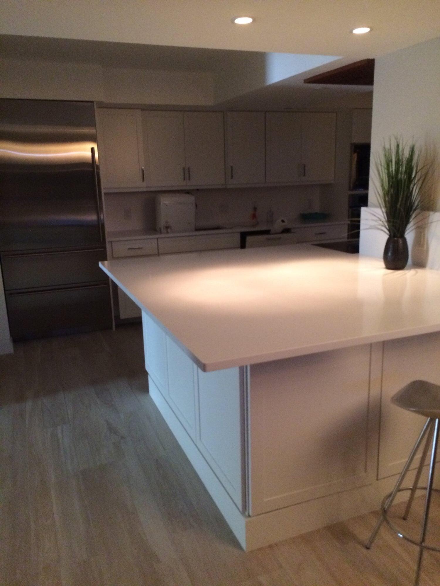 Clean kitchen design in Jupiter, FL from Floors For You Kitchen & Bath