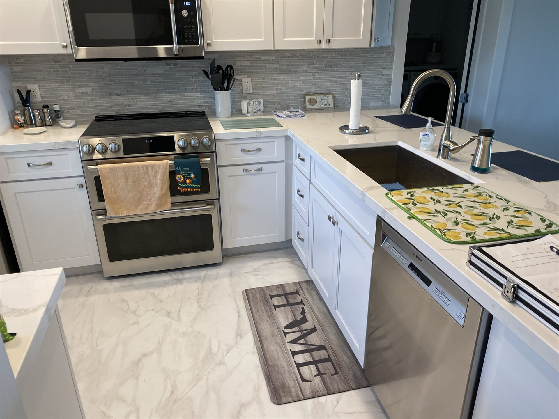 Marble look flooring in Palm Beach Gardens, FL from Floors For You Kitchen & Bath