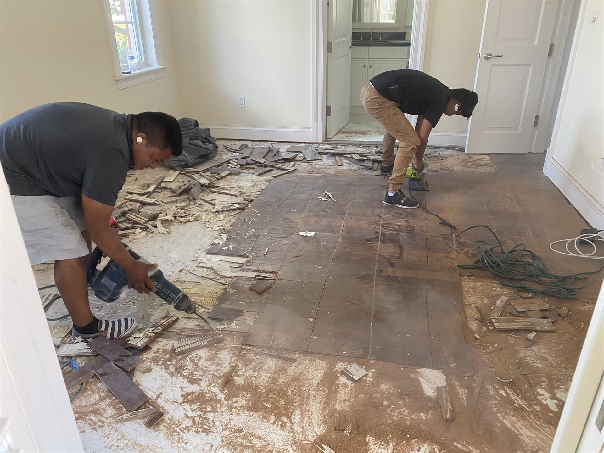 Flooring professionals in Juno Beach, FL from Floors For You Kitchen & Bath