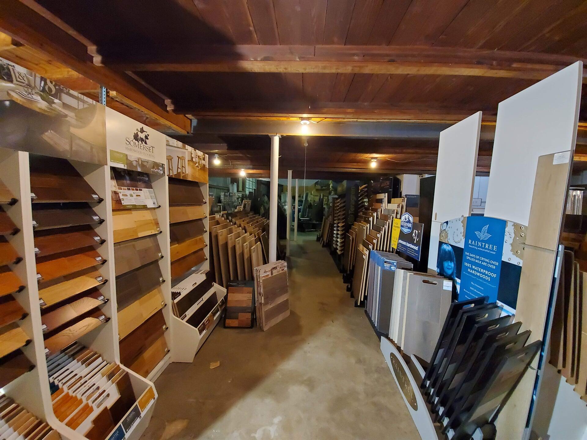 Hardwood, Bamboo, & Waterproof Wood Flooring Isle