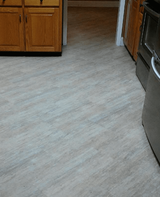 Wood look kitchen flooring in Lyons, GA from The Warehouse
