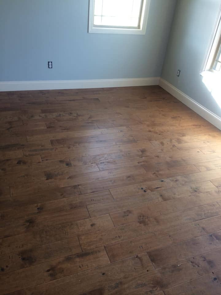 Natural grain wood floors in Henagar, AL from R&D Flooring