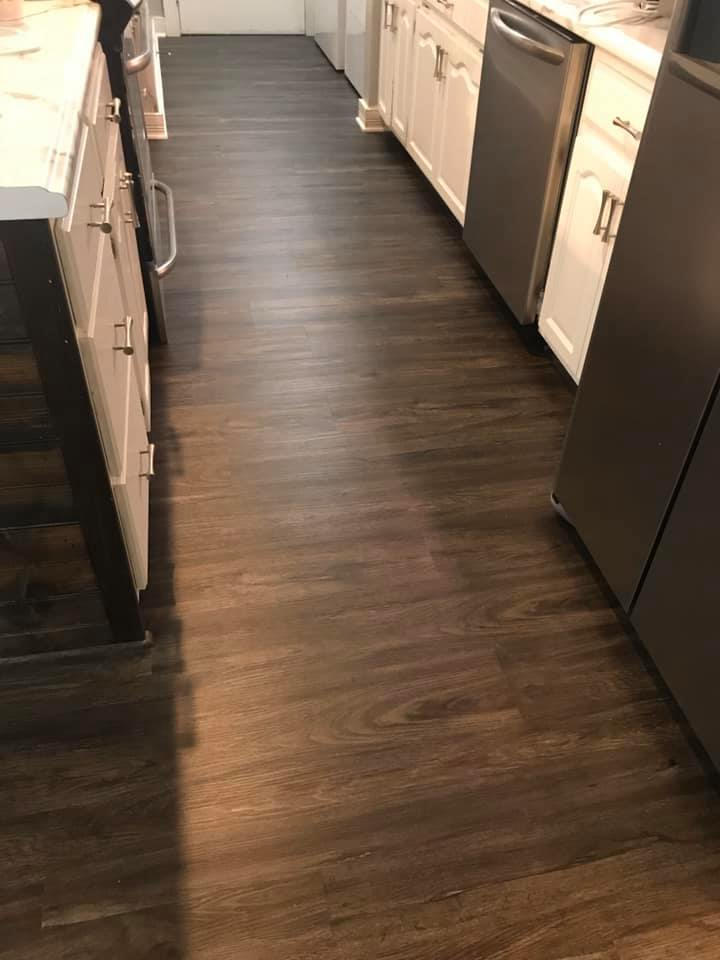 Vinyl plank flooring in Fort Payne, AL from R&D Flooring