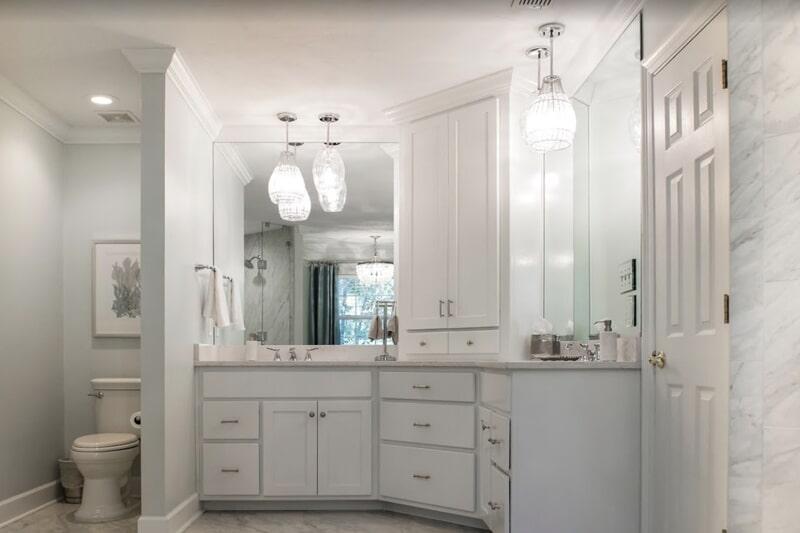 White bathroom design in Havana, FL from Luke Van Camp's Floors & More