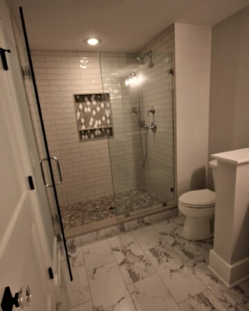 Marble tile flooring in Mansfield, MA from Paramount Rug Company