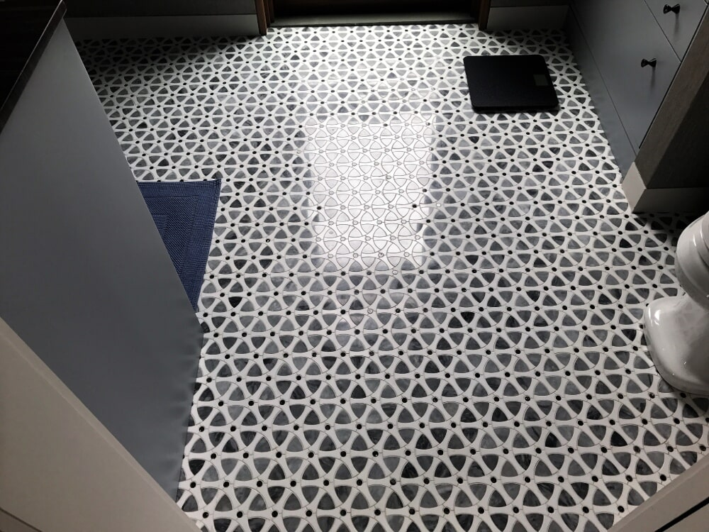 Dal Tile Raine Jet Stone Mosaic tile flooring in Franklin, MA from Paramount Rug Company