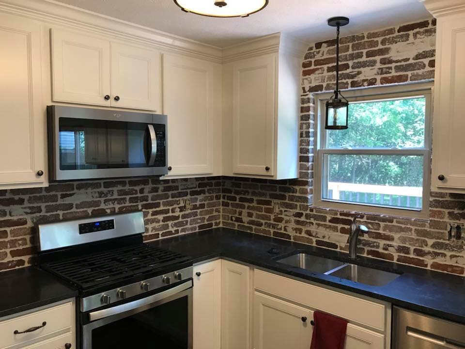 Tile backsplash in Beech Grove, IN from Griffith Flooring Service LLC