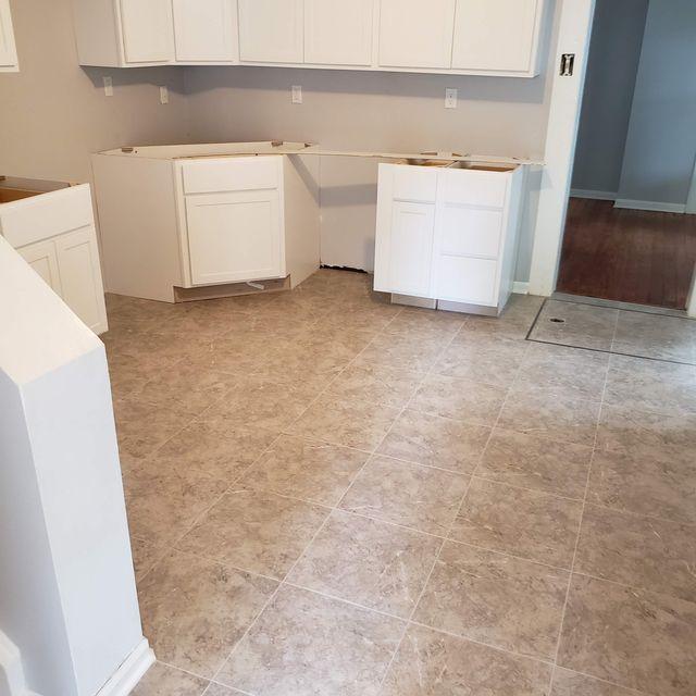 Luxury vinyl tile floors in Wilmore, KY from Karrianna Flooring