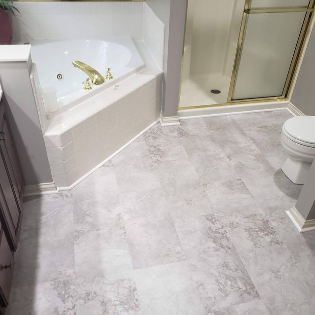 Luxury vinyl tile flooring in Nicholasville, KY from Karrianna Flooring