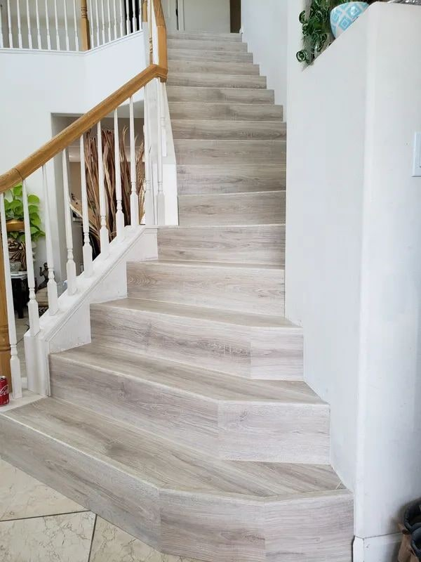 Vinyl stair flooring in Rocklin, CA from Crestview Flooring Inc