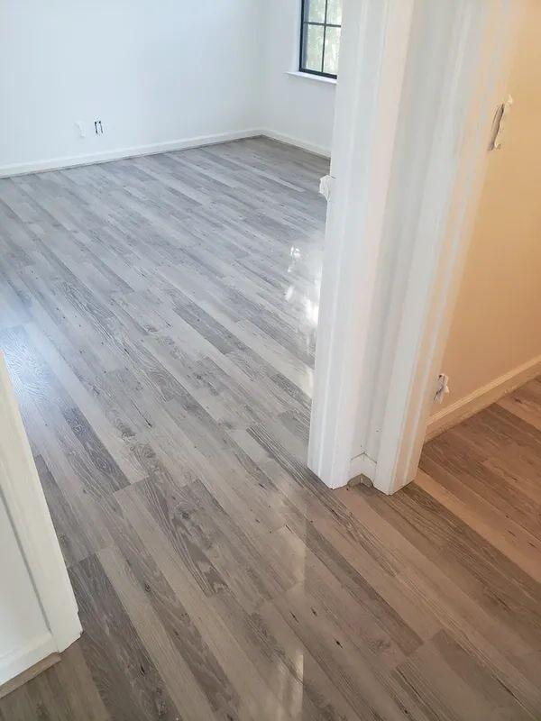 Modern wood look floors in Folsom, CA from Crestview Flooring Inc