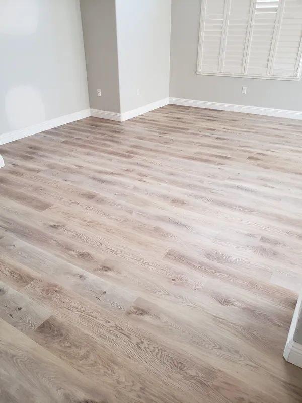 Vinyl plank flooring in Sacramento, CA from Crestview Flooring Inc