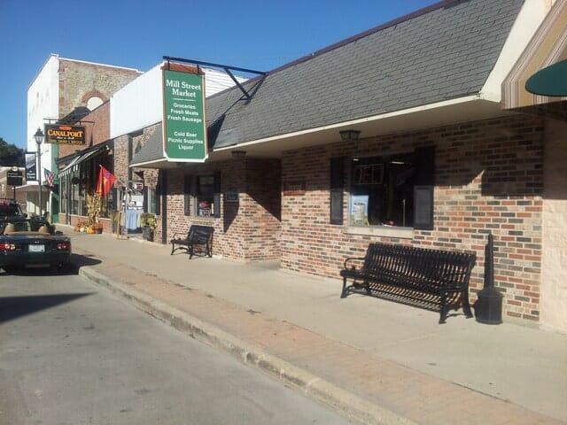 130 Mill Street, Utica, IL, 61373