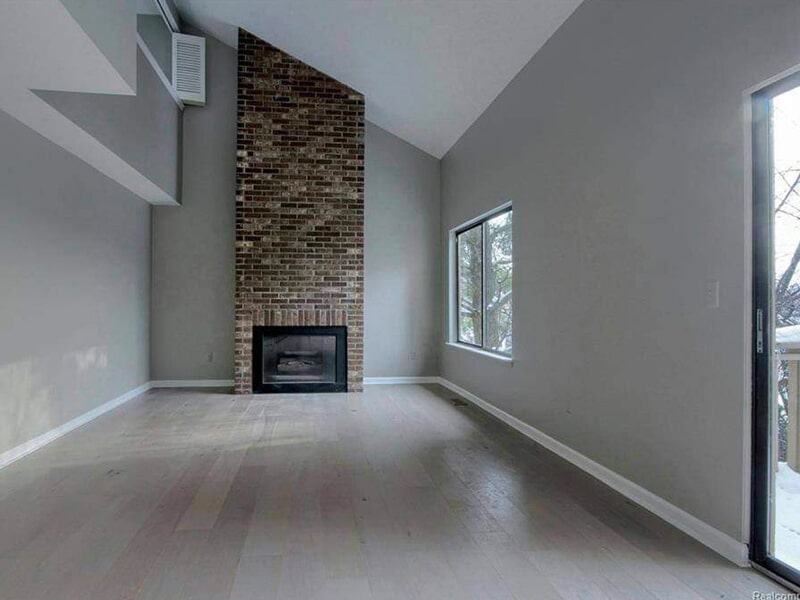 Luxury vinyl plank flooring in Sylvan Lake, MI from Urban Floors