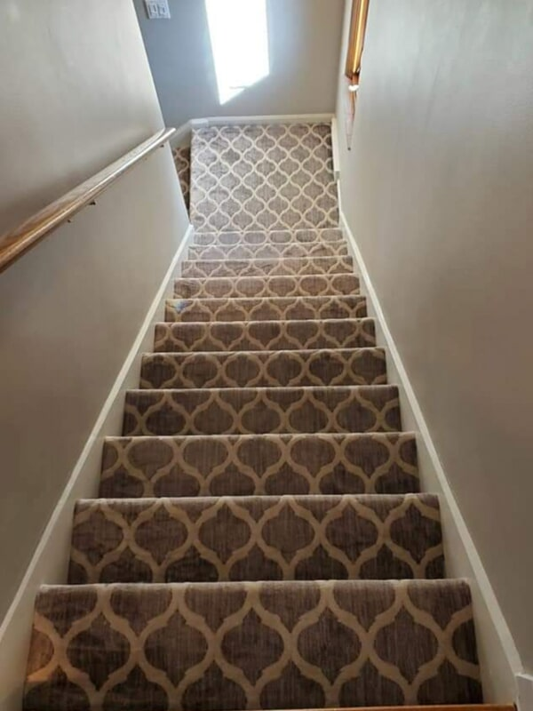 Carpet stairs in Plymouth, MI from Urban Floors