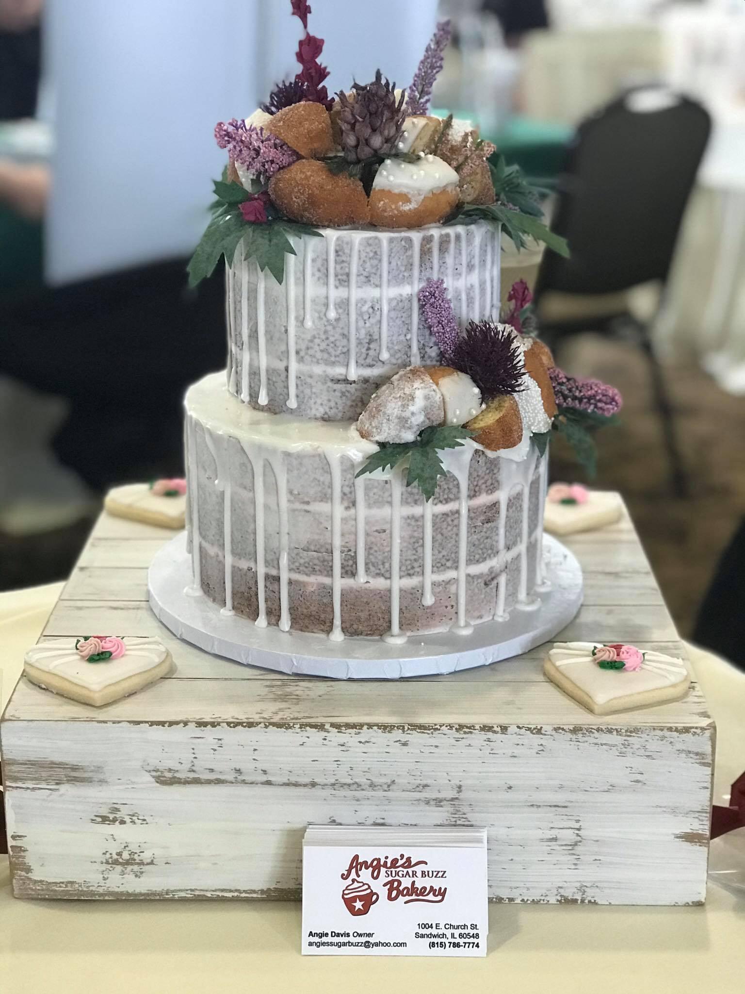Rustic Wedding Cake-min