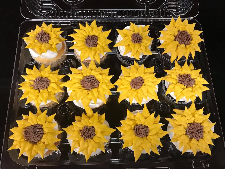 Sunflower Cupcakes-min