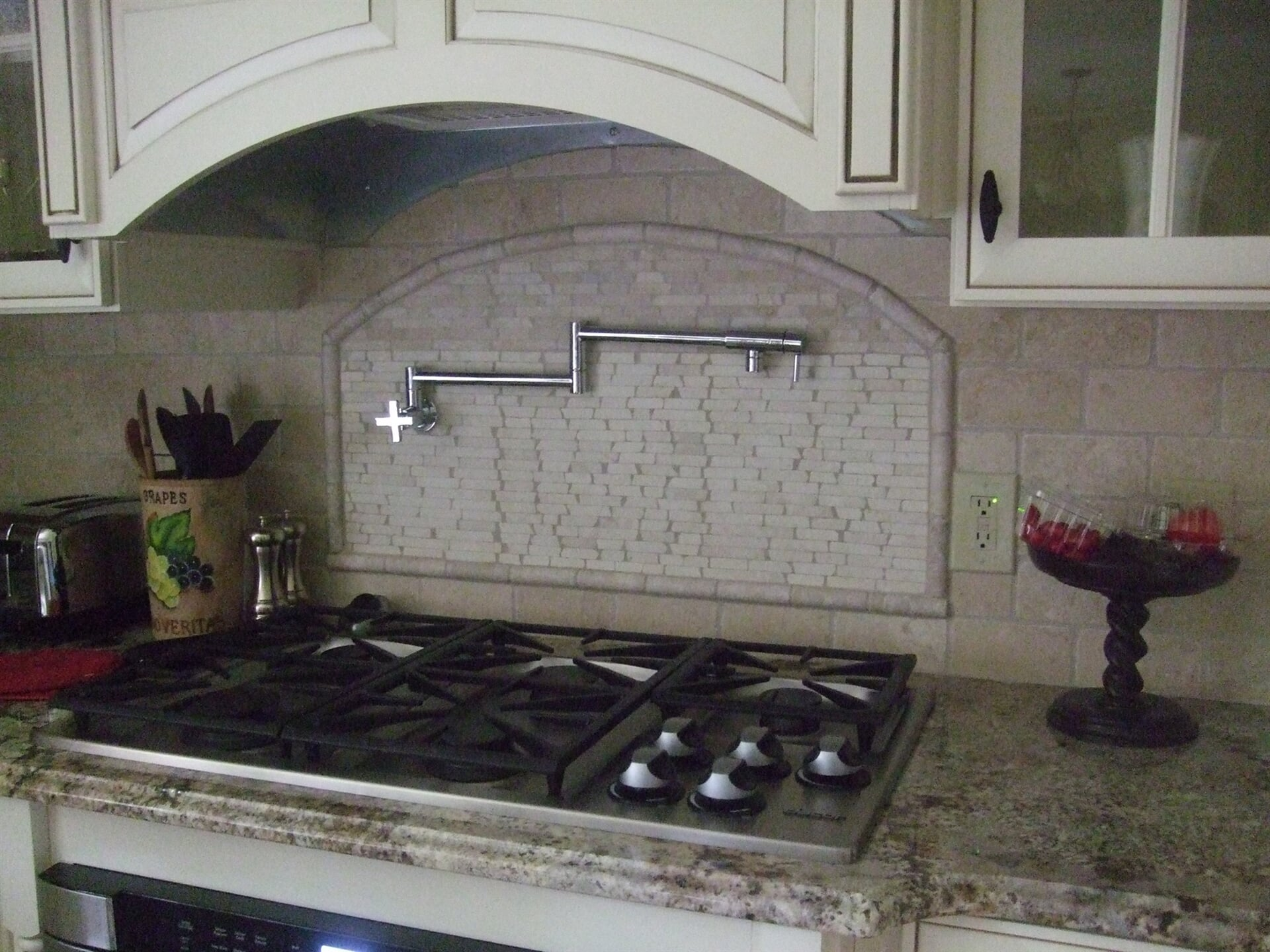 Custom backsplash in McHenry, IL from Anderson Tile & Carpet