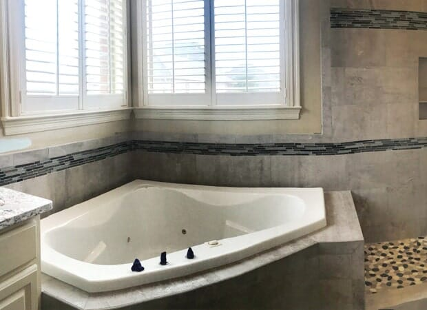 Glass tile bathroom accents in Gonzales, LA from Marchand's Interior & Hardware