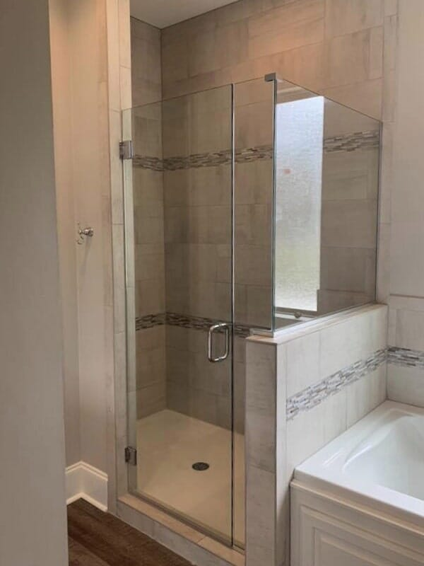 Frameless shower in Gonzales, LA from Marchand's Interior & Hardware