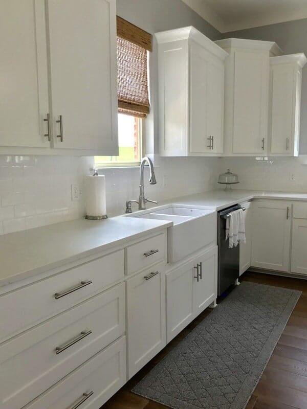 White shaker cabinets in Prairieville, LA from Marchand's Interior & Hardware