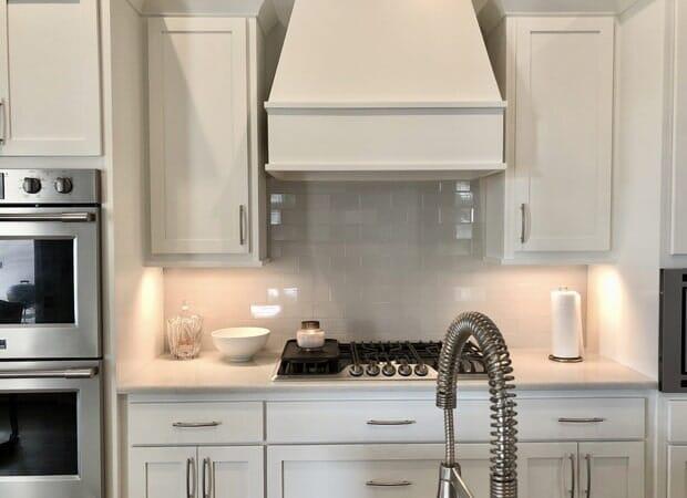 Modern range in Gonzales, LA from Marchand's Interior & Hardware