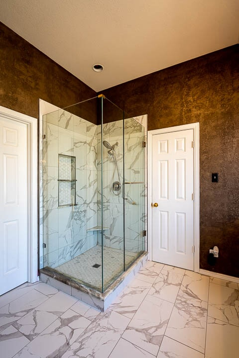 Marble tile shower in Lewisville, TX from Floor & Wall Design