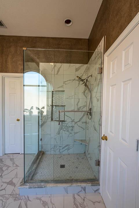 Frameless shower in Lewisville, TX from Floor & Wall Design