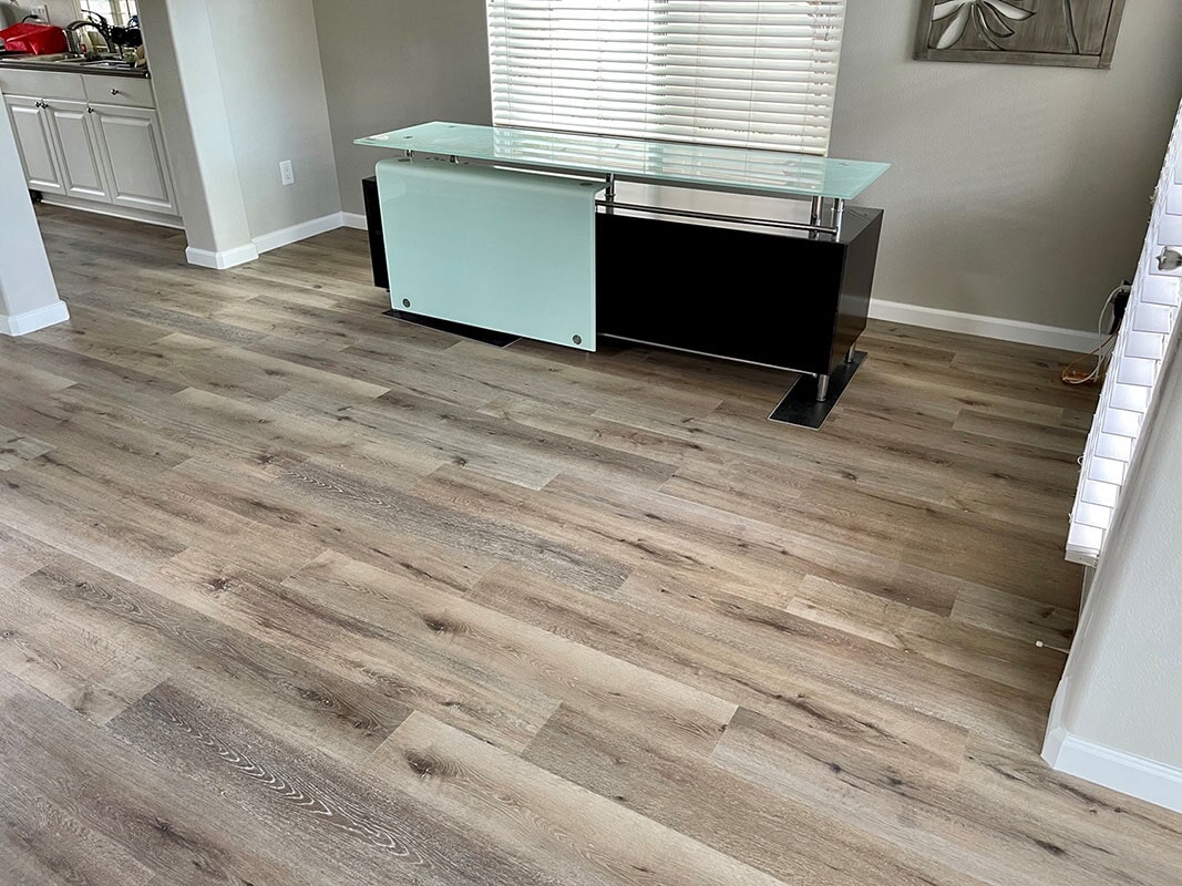 Builder's Choice: Aged Hickory flooring installation in Aiea, HI