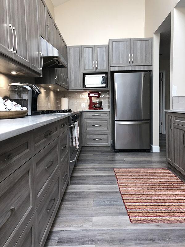 twin-oaks-woodworking-ltd-parksville-kitchen-cabinets-01