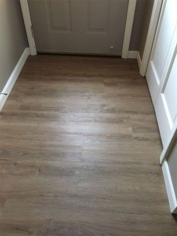 Luxury vinyl plank entryway in Saint John, IN from Yancey's House of Carpets